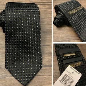 NWT Donald Trump Signature Collection Men's Tie